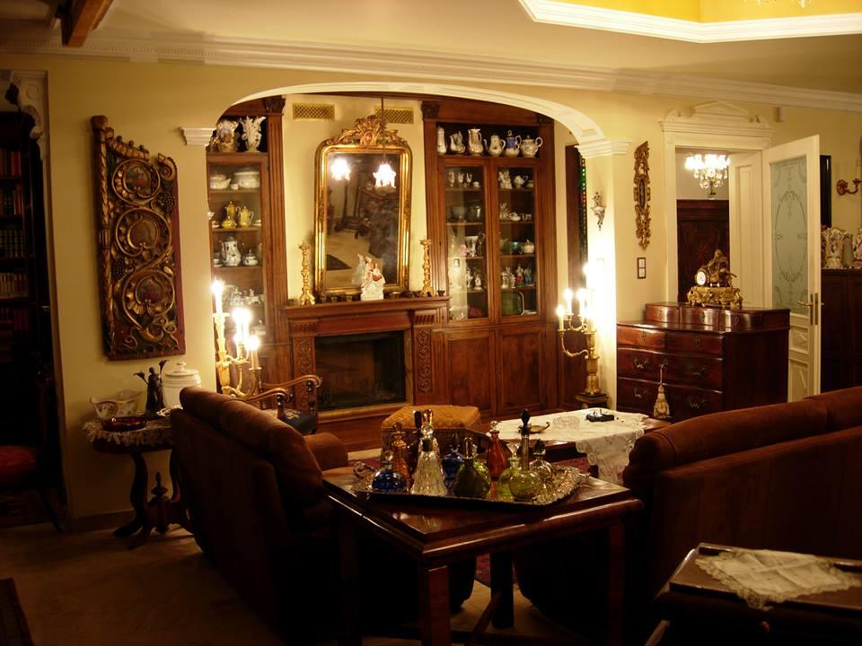 Casa classica in noce arredamenti su misura roma for Casa classica tarba