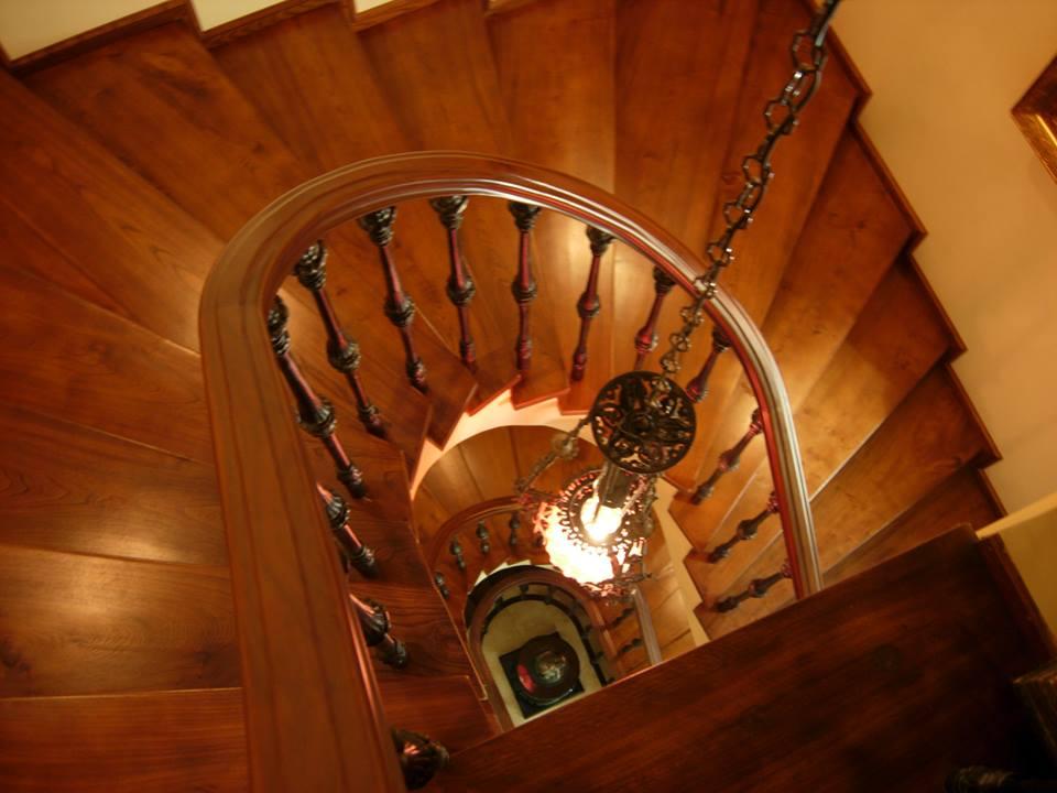 Casa classica in noce arredamenti su misura roma for Piani di gabinetto artigiano