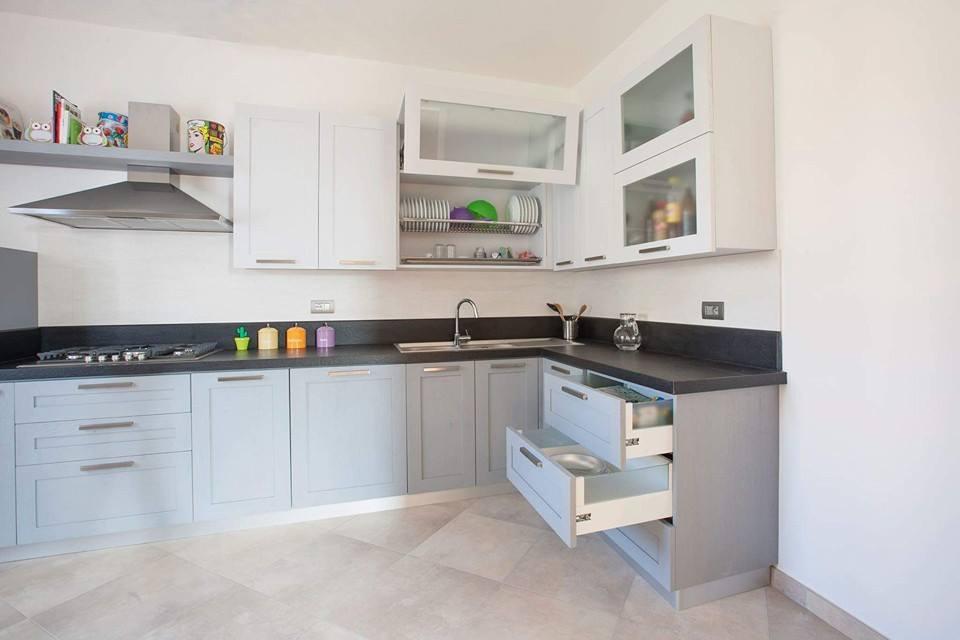 Cucina bicolore|cucina su misura|arredamentiroma